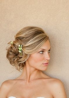 The side updo is so popular, I wore one for my own wedding. See 19 amazing styles for inspiration. These are great for weddings, proms and any formal occasion.: Gorgeous Side Updo: Perfect for Long Hair Wedding Hairstyles For Medium Hair, Medium Hairstyles, Bride Hairstyles, Pretty Hairstyles, Hair Medium, Hairstyle Ideas, Messy Hairstyle, Style Hairstyle, Black Hairstyles