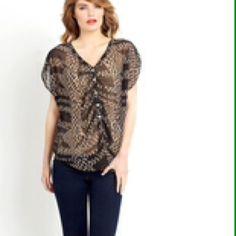 DANIEL RAINN Printed Short Sleeve Blouse Short sleeve blouse with lining, never worn in new condition Daniel Rainn Tops Blouses
