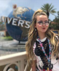 "347.7 mil curtidas, 3,068 comentários - Larissa Manoela (@larissamanoela) no Instagram: ""The world of UNIVERSAL ❤️ #ReadyForUniversal #UniversalStudiosFlorida #IslandOfAdventure ✨"""