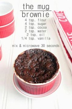 Prête En Seulement 1 Min : La Délicieuse Recette du Mug Cake Au Chocolat. - Darüber erfolgreich Informationen hier für Leckere Kuchen hausgemacht Im Internet wenn Sie suche - Vegan Desserts, Delicious Desserts, Yummy Food, Desserts In A Mug, Easy Recipes For Desserts, Mug Dessert Recipes, Mug Deserts, Healthy Mug Recipes, Tasty