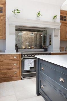 Edwardian Family Home, Barnes Village - Humphrey Munson - Luxury Bespoke Kitchen Kitchen Pantry Design, Kitchen Stove, New Kitchen, Kitchen Decor, Kitchen Ideas, George Nelson, Kitchen Peninsula, Bespoke Kitchens, Home Renovation