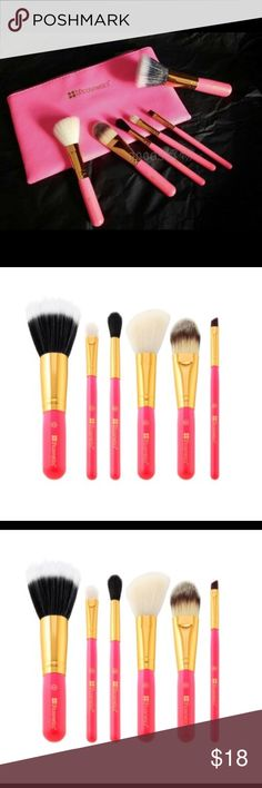 Neon Pink 6 Piece Brush Set This dazzling Neon Pink 6 Piece Brush Set is a bright idea for home and travel. The versatile collection features basic beauty brushes for face and eyes, including foundation, dual-fiber powder, blush/contour, eyeshadow, eye blender, and angled eyeliner. Brushes come in a convenient matching zip-top case with extra room for additional items.  Cruelty-free synthetic brushes BH Cosmetics Makeup Brushes & Tools
