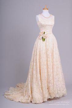 Gorgeous vintage lace wedding dress