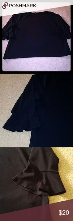 Lauren Ralph Lauren navy 3/4 tee 3x Fantastic condition. Only worn once. Little flare bells on the sleeves. 3/4 length sleeves. Color is still vibrant. 100% cotton. Lauren Ralph Lauren Tops Tees - Short Sleeve