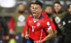 El doblete de Eduardo Vargas puso a Chile en la final. Foto: EFE.