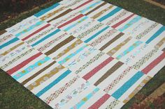 Chasing Cottons: Stack and Slash Tutorial with Kate...tut for the black and white quilt on this board