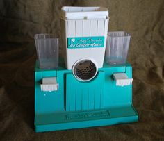 Totally Retro Vintage toy Suzy Homemaker Ice Delight Maker Play house Kitchen - Kitchen Sets