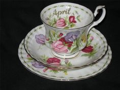 Royal Albert Flowers of The Month  April Sweet Pea