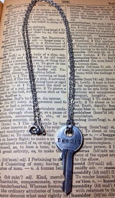 Hey, I found this really awesome Etsy listing at http://www.etsy.com/listing/155838529/steampunk-doctor-who-inspired-tardis-key