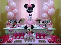 Minnie Minnie Mouse Birthday Decorations, Minnie Mouse Balloons, Minnie Mouse Theme Party, Minnie Mouse Pink, Mickey Mouse Birthday, Winter Onederland Party Girl 1st Birthdays, 2nd Birthday Parties, Minnie Mouse 1st Birthday, Minnie Mouse Party