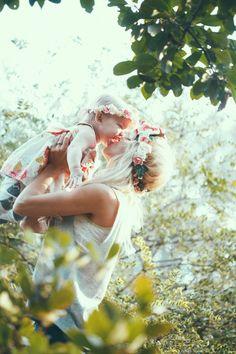 Casey Shirt c/o: SWELL  /  Casey skirt c/o: SWELL   Casey & Apple's headbands c/o: Lov...