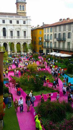 Piazza Verde | Piazza Vecchia, Bergamo Italy | Studio Fink #landscape #architecture #italy #square #pink #art #perennials