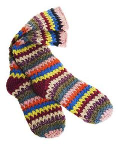 MUST learn to crochet these very very soon I LOVE them and the heel looks doable. My nemesis is the heel and this looks to be relatively straightforward.