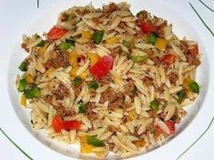 Kritharaki salad with minced meat 1 - Party - Salat Fruit Recipes, Rice Recipes, Meat Recipes, Salad Recipes, Cooking Recipes, Healthy Recipes, Food N, Good Food, Food And Drink