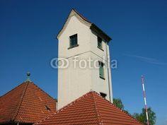 Der alte Schlauchturm am Feuerwehrhaus in Helpup bei Oerlinghausen in Ostwestfalen-Lippe am Teutoburger Wald
