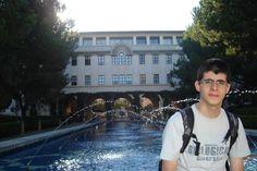 'Não sou gênio', diz brasileiro aluno na melhor universidade do mundo Caltech (EUA) lidera ranking mundial de universidades pelo 4º ano seguido. Brasileiros contam como é a rotina puxada de estudos no instituto.