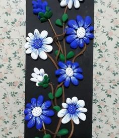 See more ideas about Pebble art, Stone art and Painted rocks. Pebble Painting, Pebble Art, Stone Painting, Hobbies And Crafts, Diy And Crafts, Arts And Crafts, Stone Crafts, Rock Crafts, Rock Flowers