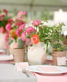 La Tavola Fine Linen Rental: Tuscany Natural with Tuscany Crush Napkins | Photography & Styling: Kim Wiseley of Flutter Mag, Floral Design: Florabundance
