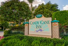 Great hotel within walking distance of Disneyland. Review w/ photos of the rooms.
