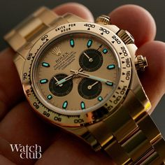 Glows blue #cosmograph #rolex