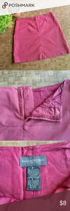 Banana Republic ruby skirt BR stretch skirt. Zipper and eye and hook closure in front. 19in length. Lined. No stains stink or holes. Slight faded look. GUC. Banana Republic Skirts