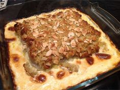 Maukkaampi mantelikala | Valio Cheesesteak, Pork, Meat, Baking, Ethnic Recipes, Desserts, Kale Stir Fry, Tailgate Desserts, Deserts