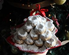 Once you put in the oven Traditional Christmas Butter Cookies (Kourabiedes), the aromas permeate the house and bring back memories. Cookie Flavors, Cookie Recipes, Dessert Recipes, Desserts, Roasted Almonds, Little Kitchen, Cake With Cream Cheese, Food Festival, Christmas Traditions