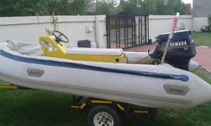 Rubber-duck te koop. Junk Mail, Water Crafts, Rubber Duck, Toy Chest, Storage Chest, Boat, Home Decor, Dinghy, Decoration Home