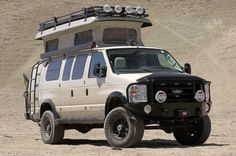 Ford 4x4 Sportsmobile, Pace Arrow RV in Off-Road Camper War (W/Video)