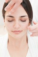 At-Home Eyebrow Threading (Benefits, Side Effects)