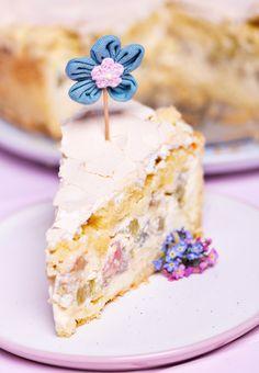 Rhabarber-Rahm-Kuchen mit Streusel & Baiser - Puderzuckerliebe