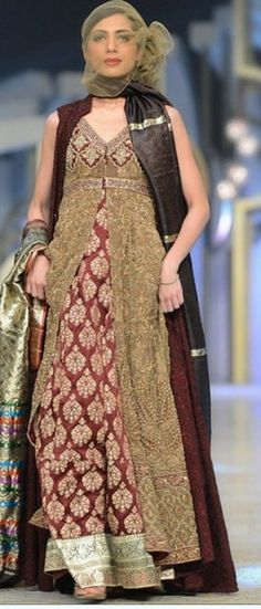 BB B-B (BridalsBrand) is having Ultimate Collections of Pakistani Designer Bridal Dresses. To place your order send us message on our page with dress link. Latest Bridal Dresses, Pakistani Bridal Dresses, Pakistani Outfits, Unique Dresses, Italian Wedding Dresses, Marchesa Bridal, Desi Bride, Dress Link, Bridal Dress Design