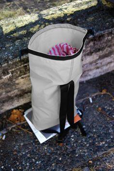 Minimalistic and fashionable daypack.