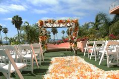 A Posh And Glam Wedding At La Valencia Hotel Jolla Michelle Jeremy