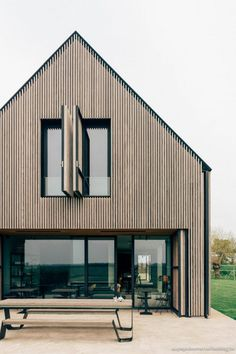 Build A Bunker 324399979414106110 - B&B The Bunkers in Knokke-Heist – Hannelore Veelaert for au pays des merveilles Source by House Cladding, Timber Cladding, Modern Barn House, Roof Installation, Residential Architecture, House Architecture, House In The Woods, Architecture Details, Exterior Design