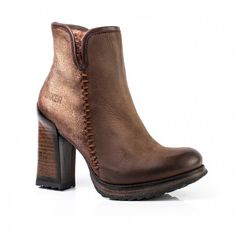 SALSA-NB Women's anckle boots with a high heel.