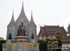 Thailand here.: วัดราชนัดดา กรุงเทพฯ Wat Ratchanadda in Bangkok Th...