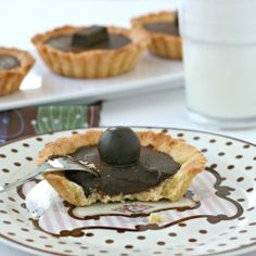 Chocolate-coffee tartlets by themisstools