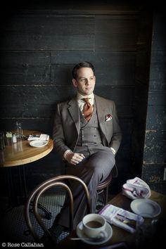Sven Raphael Schneider men style dandy three piece suit