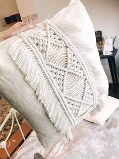 Handmade macrame cushion Materials : - natural cotton cord - chenille cream cushion Please allow weeks for custom orders to be processed, thankyou. Cream Cushions, Boho Cushions, Macrame Wall Hanging Diy, Cushion Tutorial, Cotton Lace, Boho Decor, Decorative Pillows, Blanket, Handmade