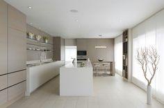 sleek kitchen with neutral palette Home Decor Kitchen, Kitchen Interior, Kitchen Design, Nice Kitchen, Kitchen Ideas, Luxury Kitchens, Home Kitchens, Small Apartment Interior, Kitchen Cabinet Styles