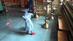 Девочка в храме:)))