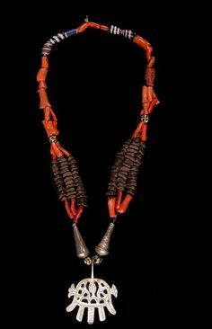 Chaouia Necklace. Kebech, Tadjmout, Constaine region, Algeria. Silver coral, glass beads, cloves and scented beads.