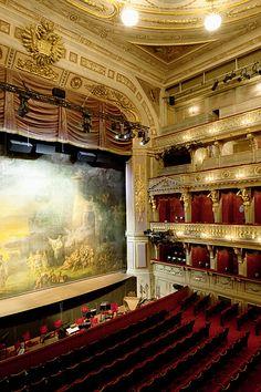 Vista interior de la Sala de Espectáculos del Teatro de Viena.