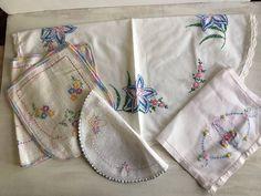 Seis Vintage bordados decorativos tapetes lino por BessieRuths