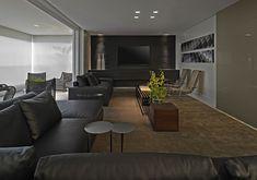 Mesinhas redondas de apoio para sofás e na decoração! Veja modelos e dicas de como usar essa tendência!