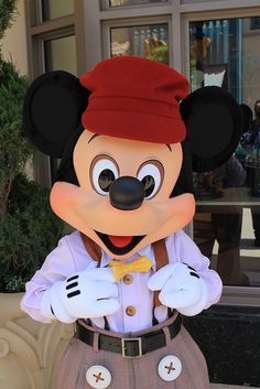 Taken on June 2012 on Buena Vista Street, Disney California Adventure (Disneyland Resort, Anaheim, CA) Walt Disney, Cute Disney, Disney Magic, Disney Pixar, Disney Parks, Disney Characters, Mickey Mouse And Friends, Mickey Minnie Mouse, Mikey