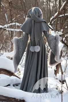 Back of Hood Medieval wool noble coat