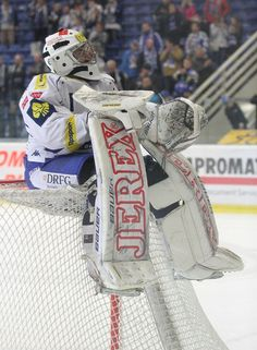 Marek Čiliak sedí na brance Ice Hockey, Google Search, Pictures, Hockey Puck, Hockey