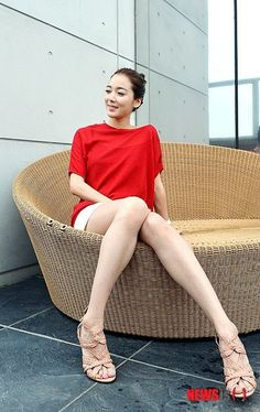 Lee So Yeon, Girls Wear, Korean Beauty, Pretty Woman, Photo Galleries, Actresses, Female, Gallery, How To Wear